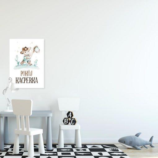 Beżowy plakat imienny do pokoju dziecięcego