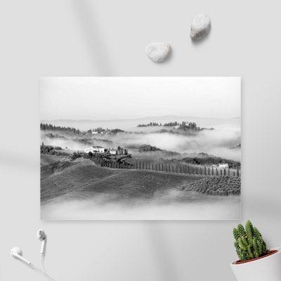 Szary obraz z pejzażem we mgle do sypialni