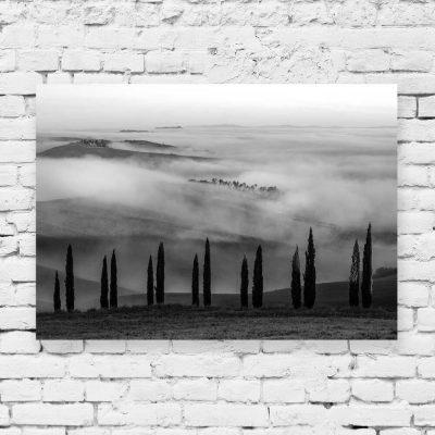 Obraz z czarno-białym skandynawskim widoczkiem do sypialni