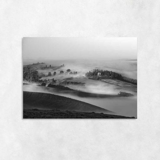 Czarno-biały obraz z górzystym widoczkiem do salonu