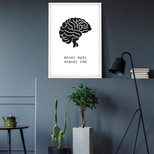 Biały plakat z motywacyjną sentencją do sypialni