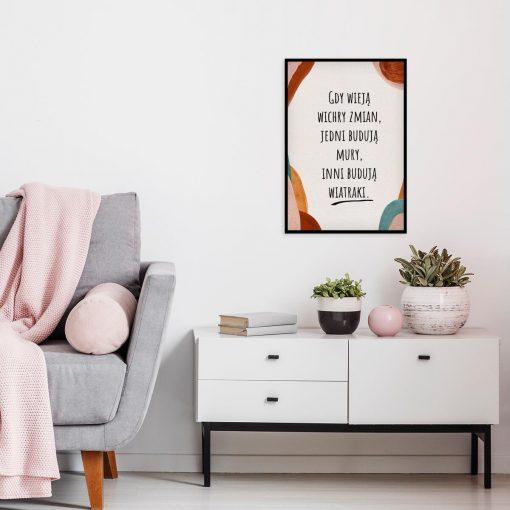 Plakat z życiową maksymą do salonu