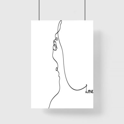 Plakat twarz kobiety i napis love