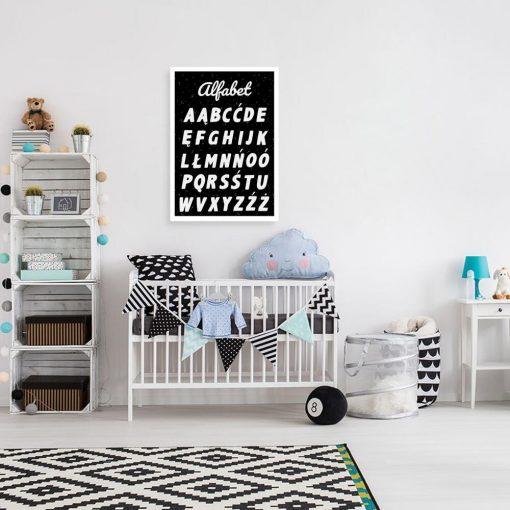 Plakat z alfabetem w czarno-białych kolorach