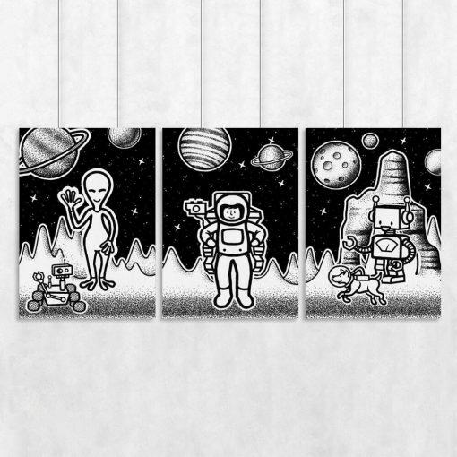 Trzy plakaty z kosmitami